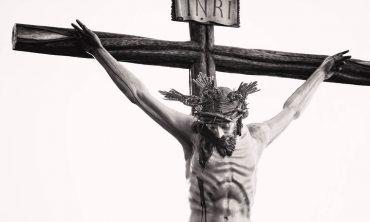 unconditional-love-jesus-on-cross