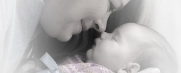 newborn-baby-in-mother's-care